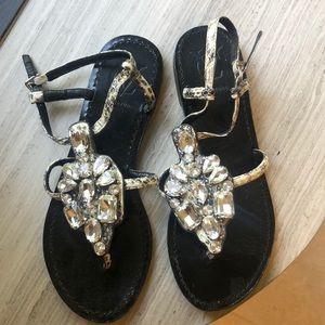 EUC VC Signature crystal Sandals